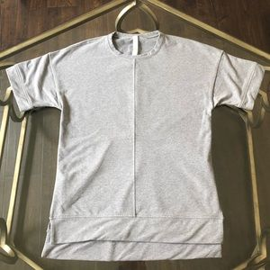 Lululemon sweatshirt short sleeve top